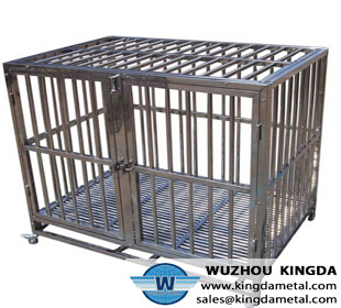 Animal cage with wheels