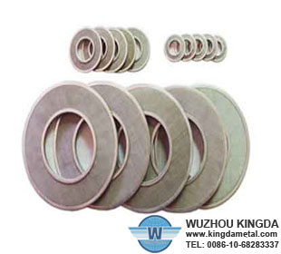 Stainless multilayer mesh filter discs