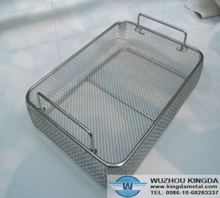 Wire mesh sterilizing trays